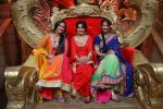 Meera Deosthale, Kamya Punjabi and Vidhi Pandya on COmedy Nights Bachao_57db9199cd79e.JPG