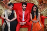 Prachee Pathak, Dheeraj Dhoopar and Sana Amin Sheikh on Comedy Nights Bachao_57db919c76471.JPG