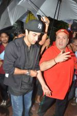 Ranbir Kapoor, Rajiv Kapoor at R. K. Studio Ganpati Visarjan on 15th Sept 2016 (8)_57db99fec4c4b.JPG