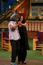 Riteish Deshmukh, Nargis Fakhri and Dharmesh Yelande on the sets of The Kapil Sharma Show on 15th Sept 2016 (21)_57db93a33a52a.jpg