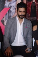 Angad Bedi at Pink success meet on 19th Sept 2016 (47)_57e01afb37785.JPG