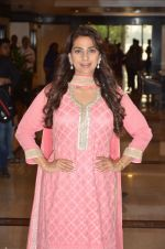 Juhi Chawla at Priyadarshni Award on 19th Set 2016 (18)_57e00a5bed2fe.JPG