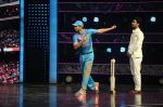 Sushant Singh Rajput bowling on the  sets of Dance Plus season2_57e010d11435f.jpg