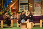 Yuvraj Singh and Hazel Keech on th sets of The Kapil Sharma Show on 18th Sept 2016 (7)_57e00cb821f5c.JPG