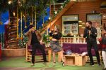Yuvraj Singh and Hazel Keech on th sets of The Kapil Sharma Show on 18th Sept 2016 (9)_57e00cda64bfe.JPG