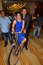 Manoj Bajpayee, Aditi Sharma at Saat Uchakkey film launch on 19th Sept 2016 (76)_57e0dea150268.JPG