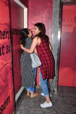 Parineeti Chopra snapped at PVR Juhu on 19th Sept 2016 (6)_57e0d760c60b4.JPG