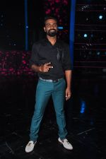 Remo D Souza on the sets of Dance plus on 19th Sept 2016 (4)_57e0d7692b871.JPG