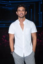 Sushant Singh Rajput on the sets of Dance plus on 19th Sept 2016 (16)_57e0de5caf988.JPG