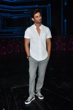 Sushant Singh Rajput on the sets of Dance plus on 19th Sept 2016 (18)_57e0d7a50666f.JPG