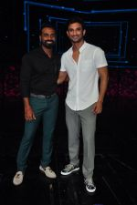 Sushant Singh Rajput on the sets of Dance plus on 19th Sept 2016 (6)_57e0d79baba60.JPG