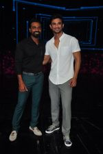 Sushant Singh Rajput on the sets of Dance plus on 19th Sept 2016 (7)_57e0d79cb0792.JPG