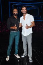 Sushant Singh Rajput on the sets of Dance plus on 19th Sept 2016 (8)_57e0d79d90453.JPG