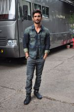 Sushant Singh Rajput on the sets of The Voice of India on 19th Sept 2016 (12)_57e0df233486f.JPG
