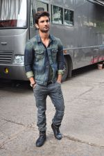 Sushant Singh Rajput on the sets of The Voice of India on 19th Sept 2016 (16)_57e0df27246d6.JPG
