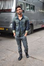 Sushant Singh Rajput on the sets of The Voice of India on 19th Sept 2016 (17)_57e0df27d9191.JPG