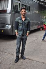 Sushant Singh Rajput on the sets of The Voice of India on 19th Sept 2016 (4)_57e0df1c127b2.JPG
