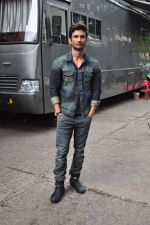 Sushant Singh Rajput on the sets of The Voice of India on 19th Sept 2016 (5)_57e0df1dbcfbf.JPG