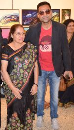 Abhay Deol at Manjula Chaturvedi art exhibition on 20th Sept 2016 (1)_57e22d1aed0dc.JPG