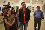 Abhay Deol at Manjula Chaturvedi art exhibition on 20th Sept 2016 (6)_57e22d2874d5b.JPG