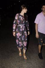 Kalki Koechlin snapped at airport on 20th Sept 2016 (20)_57e234bac778d.JPG
