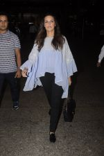 Neha Dhupia snapped at airport on 20th Sept 2016 (41)_57e23500299df.JPG