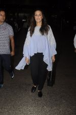 Neha Dhupia snapped at airport on 20th Sept 2016 (42)_57e235012e6d0.JPG