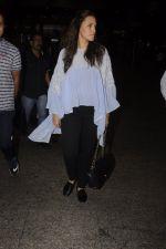 Neha Dhupia snapped at airport on 20th Sept 2016 (45)_57e2350449900.JPG