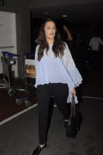 Neha Dhupia snapped at airport on 20th Sept 2016 (49)_57e2350846b60.JPG