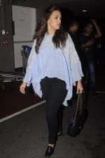Neha Dhupia snapped at airport on 20th Sept 2016 (50)_57e23509d01bd.JPG