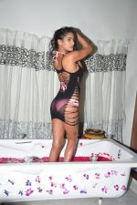 Poonam Pandey photo shoot on 20th Sept 2016 (39)_57e233af48823.JPG