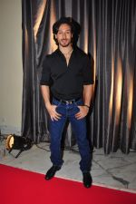 Tiger Shroff at the launch of Sajid Nadiadwala_s France Honours on 20th Sept 2016 (30)_57e2383af1f5f.JPG