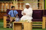 Anna Hazare on the sets of The Kapil Sharma Show (65)_57e950347bc82.JPG