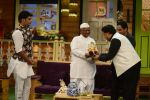 Anna Hazare on the sets of The Kapil Sharma Show (95)_57e9504d2bff7.JPG