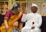 Anna Hazare on the sets of The Kapil Sharma Show (31)_57e9501b0ba0e.JPG