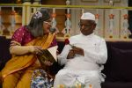 Anna Hazare on the sets of The Kapil Sharma Show (35)_57e9501fd1a3e.JPG