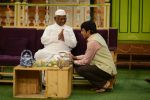 Anna Hazare on the sets of The Kapil Sharma Show (46)_57e9502a8b4c5.JPG