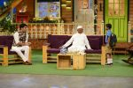 Anna Hazare on the sets of The Kapil Sharma Show (63)_57e9503138925.JPG