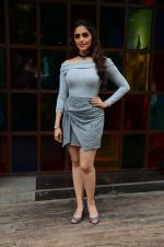 Aarti Chhabria at Mumbai Varanasi express trailer launch on 26th Sept 2016 (39)_57eaa2b3789af.JPG