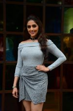 Aarti Chhabria at Mumbai Varanasi express trailer launch on 26th Sept 2016 (41)_57eaa2b44bc05.JPG