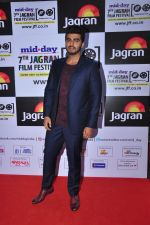 Arjun Kapoor at the Jagran Festival_s inaugural night on 26th Sept 2016 (14)_57eaa0d07a08d.JPG