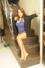 Kashmira Shah photo shoot at Bhupi studio for her new movie she has directed _Come back to me_on 25th Sept 2016 (27)_57eaa73c7551d.JPG