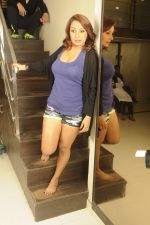 Kashmira Shah photo shoot at Bhupi studio for her new movie she has directed _Come back to me_on 25th Sept 2016 (28)_57eaa73d53053.JPG