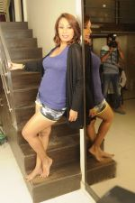Kashmira Shah photo shoot at Bhupi studio for her new movie she has directed _Come back to me_on 25th Sept 2016 (31)_57eaa73fdb59d.JPG