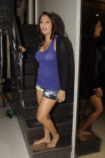 Kashmira Shah photo shoot at Bhupi studio for her new movie she has directed _Come back to me_on 25th Sept 2016 (22)_57eaa73766a31.JPG