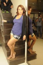 Kashmira Shah photo shoot at Bhupi studio for her new movie she has directed _Come back to me_on 25th Sept 2016 (29)_57eaa73e2133e.JPG