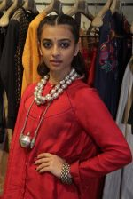 Radhika Apte unveil Festive Edit of new Luxury Pret label AMOH by Designers Monica & Karishma of JADE on 26th Sept 2016 (1)_57eaa7ef120b3.JPG