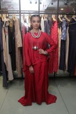 Radhika Apte unveil Festive Edit of new Luxury Pret label AMOH by Designers Monica & Karishma of JADE on 26th Sept 2016 (14)_57eaa7efe05c2.JPG