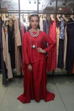 Radhika Apte unveil Festive Edit of new Luxury Pret label AMOH by Designers Monica & Karishma of JADE on 26th Sept 2016 (15)_57eaa7f153a38.JPG