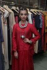 Radhika Apte unveil Festive Edit of new Luxury Pret label AMOH by Designers Monica & Karishma of JADE on 26th Sept 2016 (31)_57eaa7f951a8a.JPG